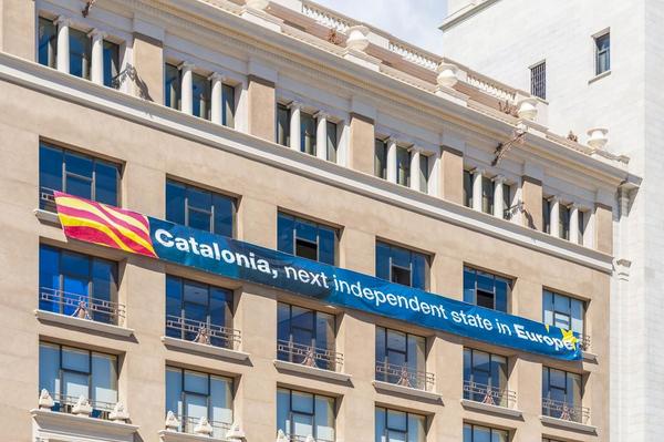 Retten til loesrivelse Catalonien uafhe  ngighed   COLOURBOX10164707   mindsket